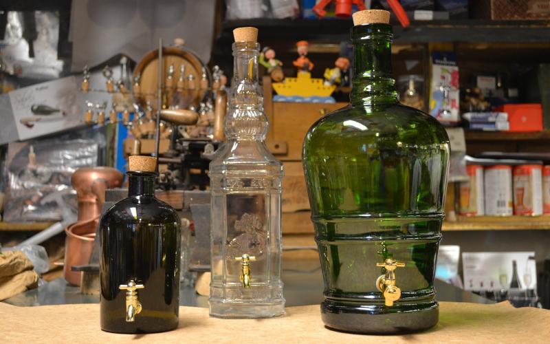 luicoenologia_genova_bottiglie-con-rubinetto